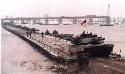 Tanks crossing Sava