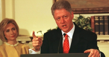 Remembering Bill Clinton's finger-wagging denial-lie, 20 years on ...